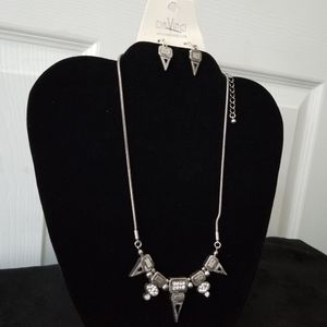 DAVINCI Necklace and Earrings! NWT